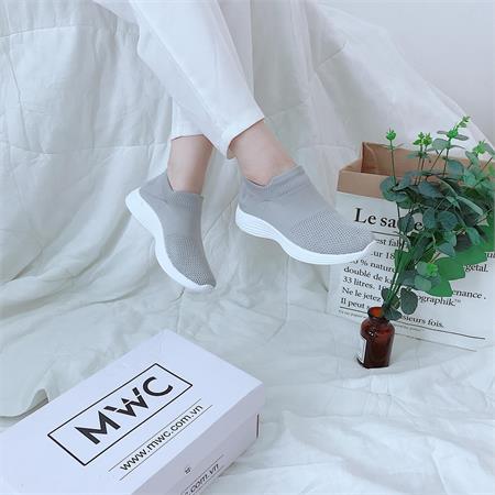 Giày Slipon nữ MWC NUSL- 1558