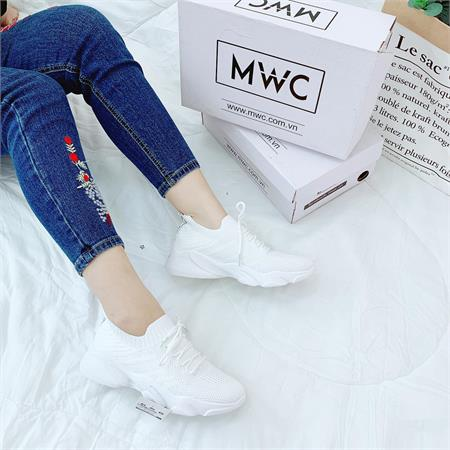 Giày thể thao nữ MWC NUTT- 0336
